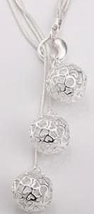 zilveren bolletjes ketting met hartjes